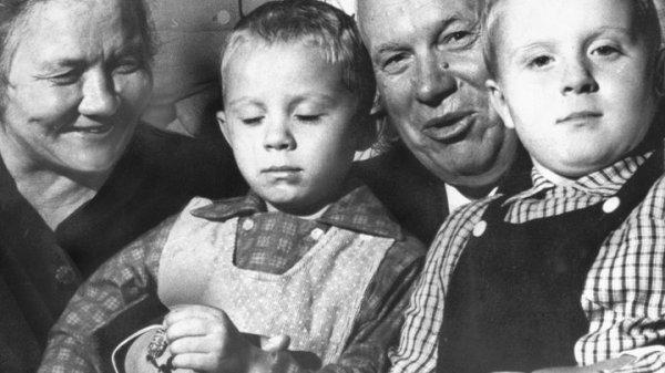 """""""Вставная челюсть Хрущёва"""": Фотограф раскрыл неизвестные ..."""