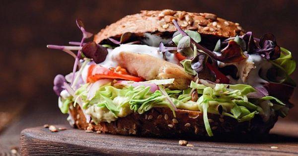 Рецепт сэндвича с индейкой, яблоком и сыром - Курьезы - TCH.ua