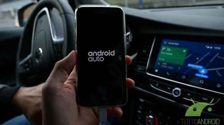 Android Auto si aggiorna ancora e arriva alla versione 6.8