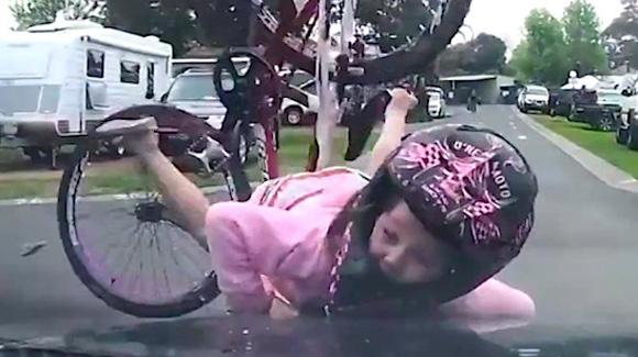 Resultado de imagen para imagenes niña en bicicleta