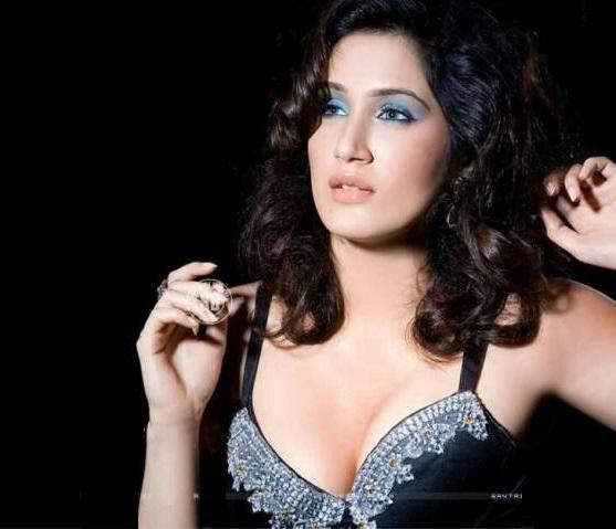 Hot Photos Of Actress Sagarika Ghatge 2017