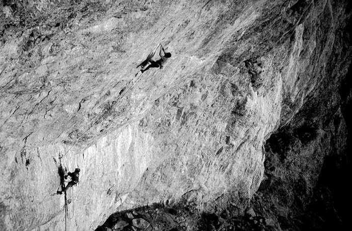 Randy Leavitt and Mike Booth on Jumbo Pumping Hate 5.13d (8b) at the Monastery., 67 kb