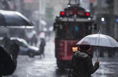 İstanbullular dikkat! Meteoroloji saat verip sağanak uyarısı yaptı