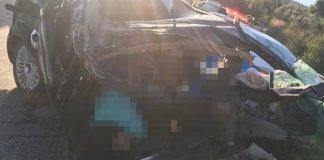 Mersin'de otomobil tıra çarptı: 3 ölü, 1 kişi yaralandı