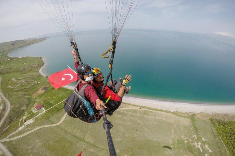 1595072703 48 Trabzonda Turkiye Yamac Parasutu Hedef Sampiyonasi 1 Etap Yarismasi basladi