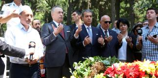 Galatasaray'ın kurucusu Ali Sami Yen kabri başında anıldı