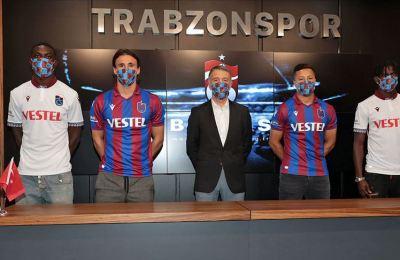 Trabzonspor'da toplu imza töreni yapıldı