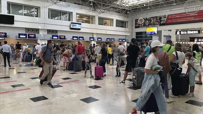 Antalya charter uçuşta Mayorka ve Girit'i geride bıraktı