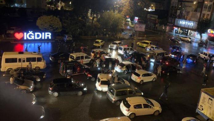 Iğdırlılar, Azerbaycan'a destek için araçlarıyla konvoy oluşturup şehir turu attı