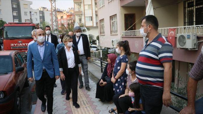 CHP heyeti Hatay'daki yangında zarar gören alanları inceledi