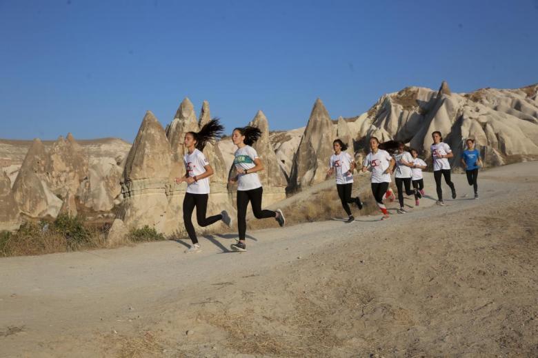 1603619999 532 gelecegin yildiz atletleri yarislara kapadokyanin engebeli arazilerinde hazirlaniyor