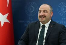 Bakan Varank: Türkiye güçlü bir büyüme performansı gösterip 2020'yi en asgari hasarla atlatacak