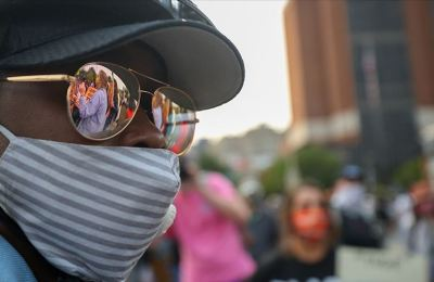 ABD Philadelphia'da iki polisin bir siyahiyi 10 kurşun sıkarak öldürmesi protesto edildi