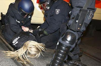 Birçok kişi yaralandı, çok sayıda kişi gözaltına alındı