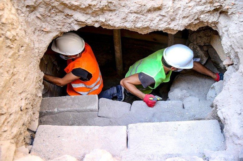 1604918610 615 diyarbakirin kalbinde roma donemine ait mezar odalari bulundu