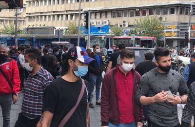 İran'da son 24 saatte 461 kişi Kovid-19'dan hayatını kaybetti