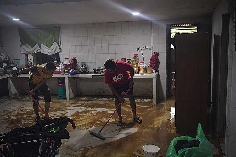 1609735233 479 malezyada sel baskinlarinda 7 binden fazla kisi tahliye edildi