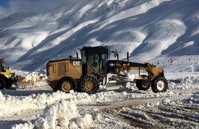 Elazığ'da kar nedeniyle 441 köy yolu ulaşıma kapandı