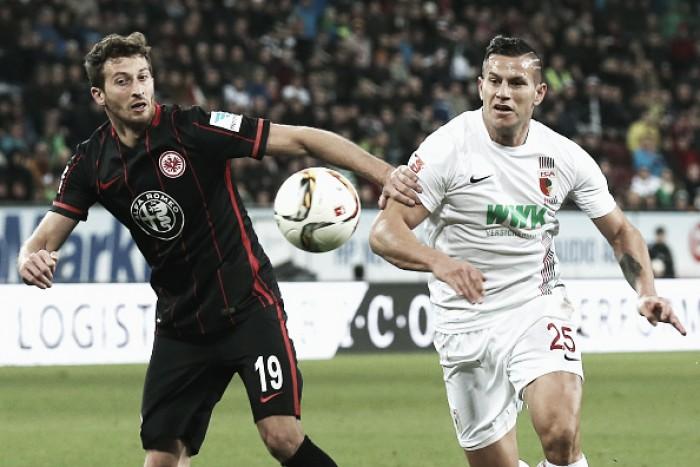 Em duelo equilibrado, Augsburg e Eintracht Frankfurt ficam no empate sem gols