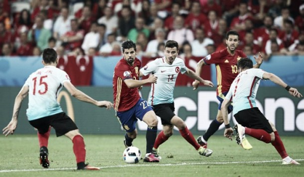 Reports: Manchester City interested in Nolito approach