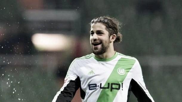 Ricardo Rodriguez renova com o Wolfsburg até 2019