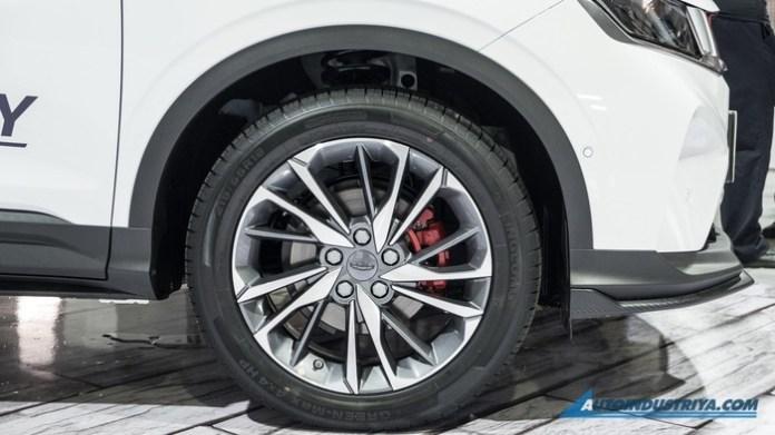 VNF Geely%20Coolray%20Sport%202020 canh tranh Kia1 - Ô tô Trung Quốc Geely Coolray Sport 2020 - đối thủ mới của Hyundai Kona