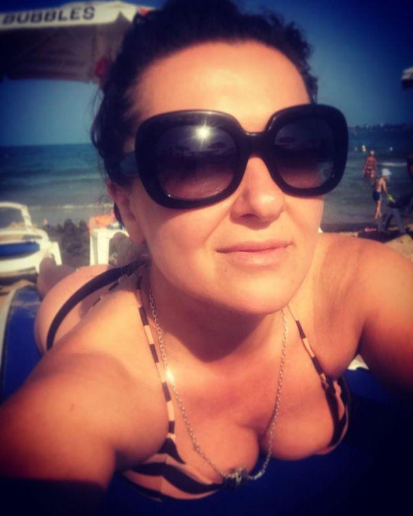 Горячее лето: 20 украинских звезд в купальниках (фото)