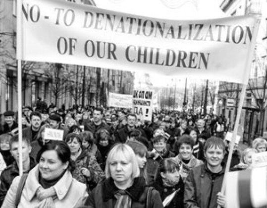 Polacy aktywnie protestują przeciwko litewskiej polityce narodowościowej