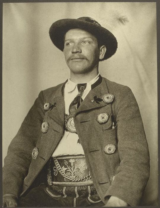A Bavarian man. Portraits from Ellis Island, Augustus Sherman.