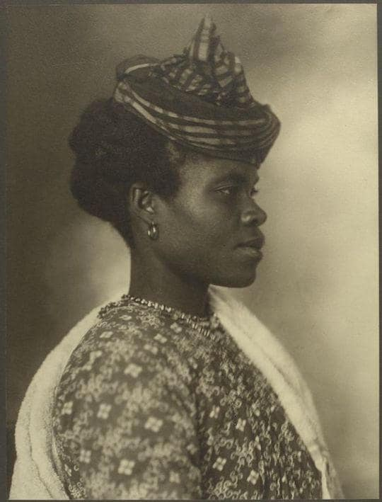 A Guadeloupean woman. Portraits from Ellis Island, Augustus Sherman.