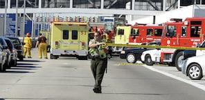 Un hombre armado abrió fuego en el Aeropuerto Internacional de Los Angeles, matando a un empleado de la Administración de Seguridad del Transporte.