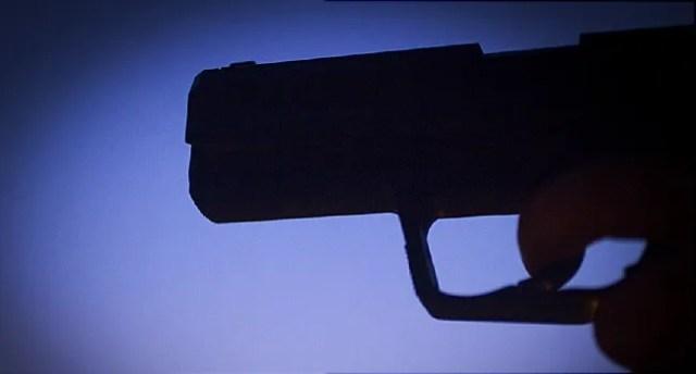 hand gun sillouette