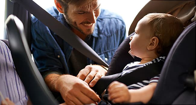 father baby carseat