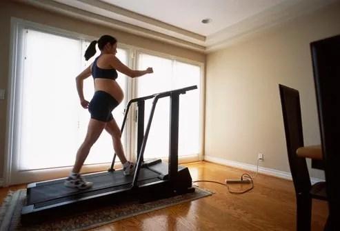 pregnant woman on treadmill