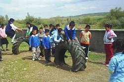 atık lastiklerden çocuk parkı