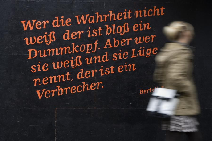 https://i1.wp.com/img.welt.de/img/Zitate/crop102010585/4126936953-ci3x2l-w900/hm-20101230-Zitat-Brecht-DW-Berlin-Berlin.jpg