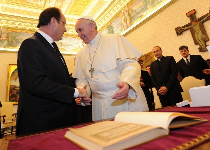 Papst Franziskus hat den französischen Präsidenten François Hollande am Freitag in Audienz empfangen. Die beiden sprachen unter anderem über die Situation in Syrien