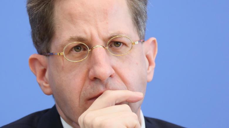 Der Präsident des Bundesamtes für Verfassungsschutz, Hans-Georg Maaßen, sieht keinen steuernden Einfluss von Rechtsextremen auf die AfD