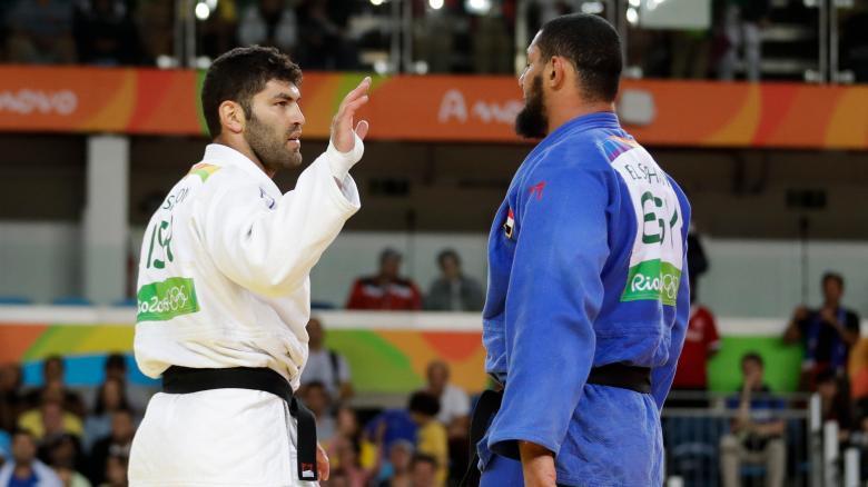 Judoka Islam El Shehabyverweigert Israels Oder Sasson den Handschlag Der ägyptische.