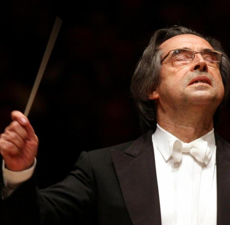 Riccardo Muti will remain chief conductor of the Chicago Symphony Orchestra, which he conducts here, until 2022