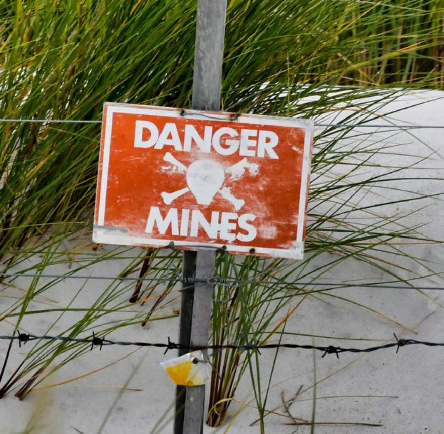 Warning of landmines in the Falkland Islands