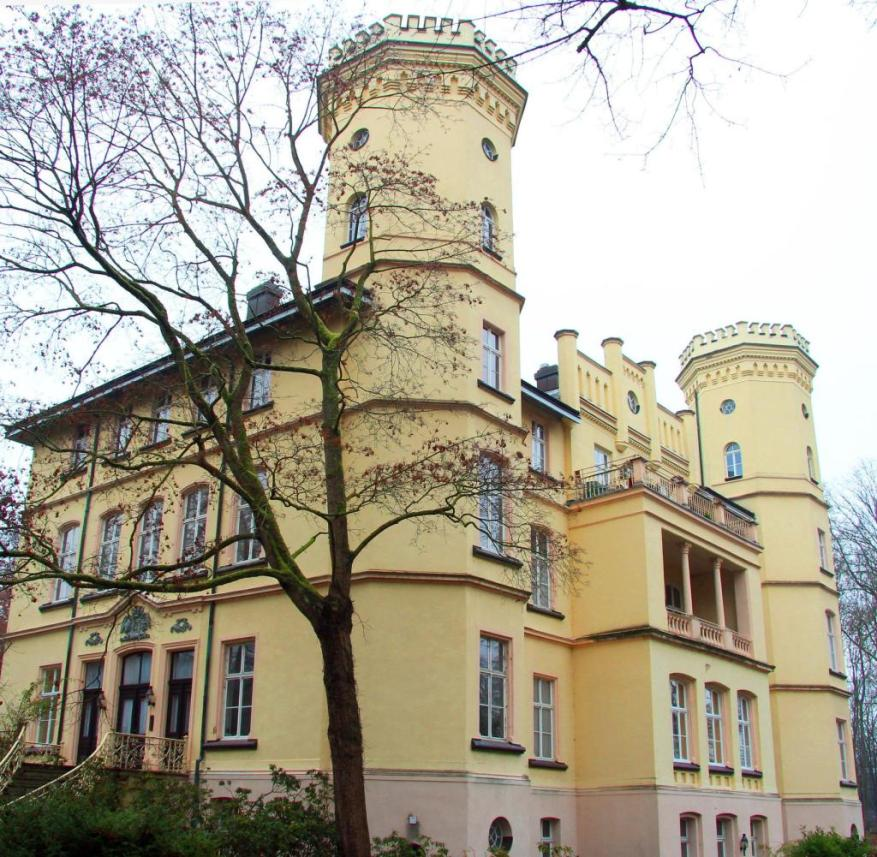 Neo-Gothic style of the 19th century: Schwansbell Castle with its octagonal towers in the Ruhr area