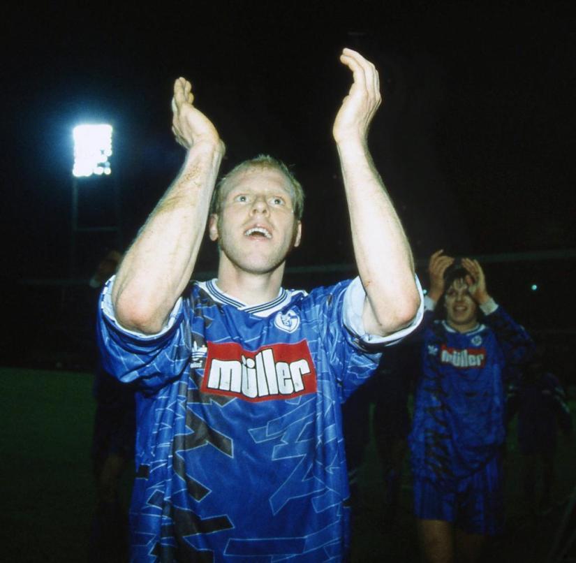 firo football: archive photos season 1993/1994 1st Bundesliga: 25.03.1994.  23rd matchday SV Werder Bremen - FC Schalke 04
