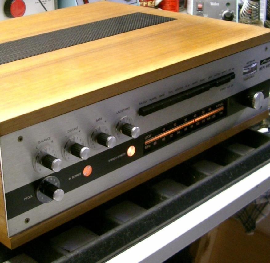 HANDOUT - On the topic service report by Sven-Hendrik Hahn from April 18, 2019: Real wood and a metal front: This is how hi-fi components were once made.  Photo: Good-old-hifi.de/dpa-tmn - ATTENTION: Only for editorial use in connection with the text mentioned and only if the above credits are mentioned in full - free of charge only for subscribers to the dpa theme service +++ dpa theme service + ++