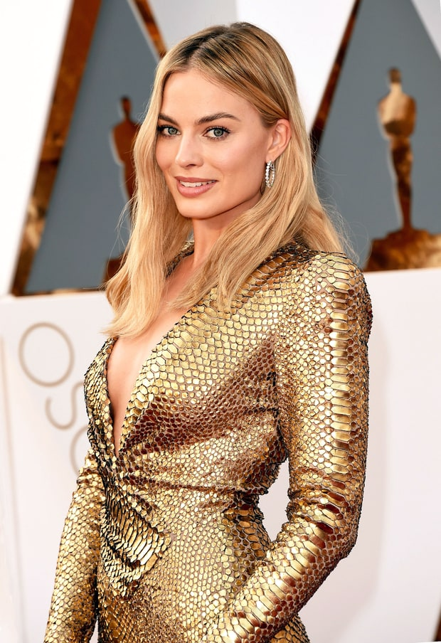 Margot Robbie's Loose Waves