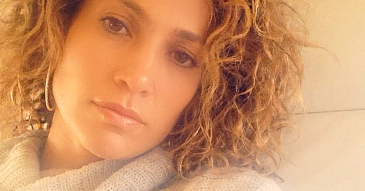 Jennifer Lopezs Natural Hair Is Curly See A Picture Us