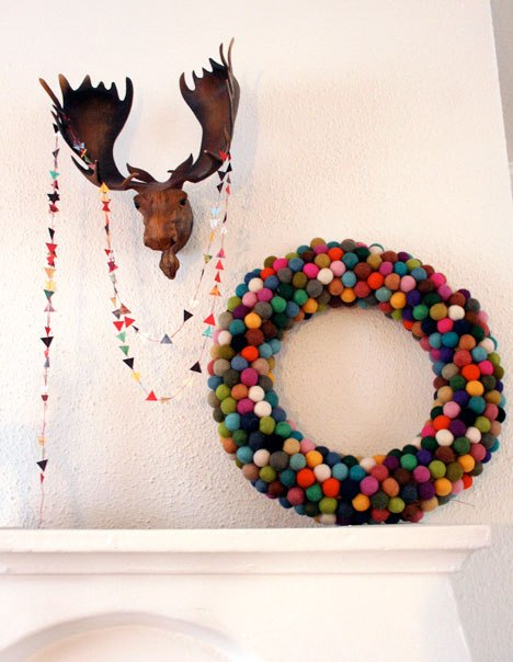 Holiday HowTo: DIY Felt Ball Wreath