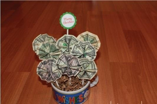 Money Origami: 10 Flowers to Fold Using a Dollar Bill ... - photo#6