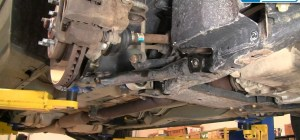 How to Replace the Lower Control Arm and Ball Joint on a 0510 Chevy Equinox or Saturn Vue « Car