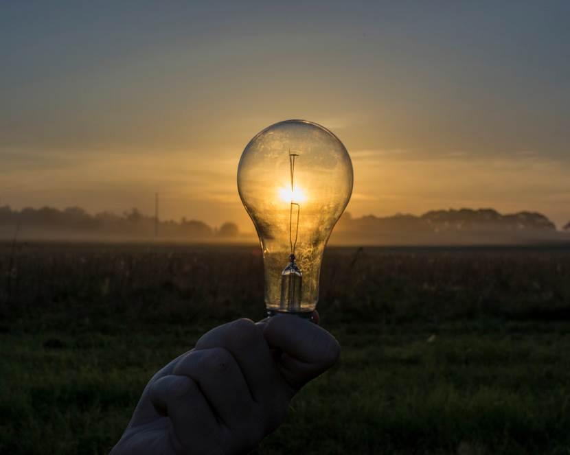 How Replace Landscape Light Bulbs